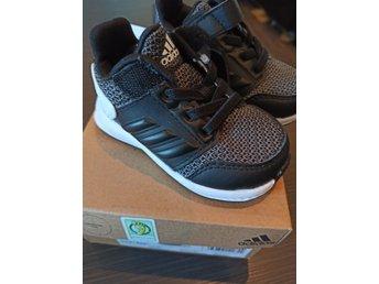 Adidas skor i stl 19 Nya (407379415) ᐈ Köp på Tradera