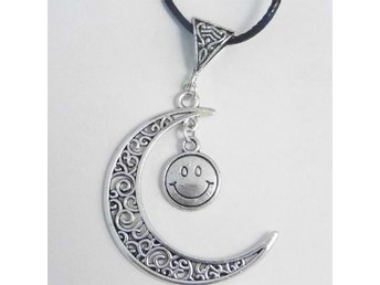 Lyckligt ansikte måne halsband / Smiley face moon necklace