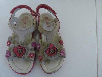 sandaler 28 fina sandaler till flicka skor sandaler - Mariannelund - sandaler 28 fina sandaler till flicka skor sandaler - Mariannelund
