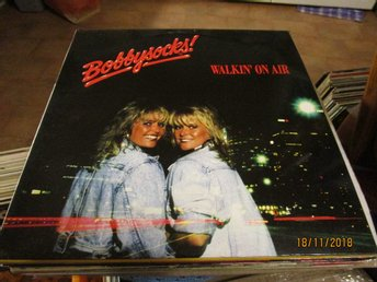 BOBBYSOCKS - WALKIN' ON AIR - LP