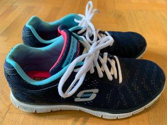 new arrival 0a890 8a17b Skechers skor i stl 36
