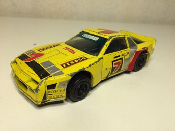 ****MATCHBOX SPECIALS 1983 CHEVROLET CAMARO SKALA 1:40 DEFEKT******