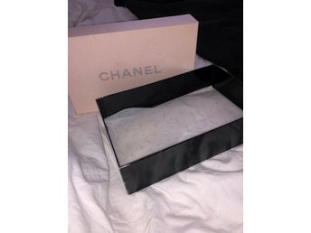 Chanel presentbox
