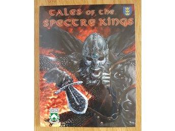 """Javascript är inaktiverat. - Göteborg - Tales of the Spectre Kings till rollspelet Pendragon. innehåller """"Six Otherworldly Adventures in Legendary Britain"""" """" a detailed guide to Cambridge"""" Green Knight Publishings utgåva från 2001 (fem av äventyren och Cambridge-guiden är från - Göteborg"""