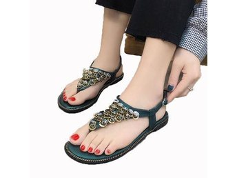 S683 Flip Flops Flat Shoes Sandals Student Sequins Rhinestone Word Band