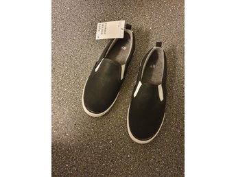 svart vita skor
