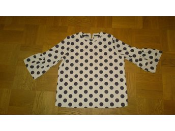 PRICKIG ,POLKA DOT BLUS FR HOLLY & WHYTE. STRL L