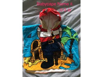 Babycape från NAME IT Badrock Badkappa Pirater Handduk med luva Strl 0-3 år