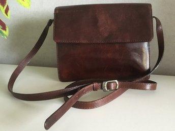 brun handväska skinn