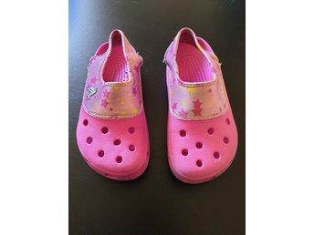 Crocs Sko storlek M=2, W=4 (396150124) ᐈ Köp på Tradera