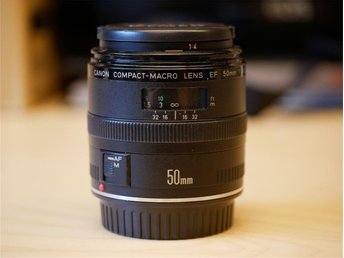 Canon EF 50mm 1:2.5 Compact-Macro Lens for Fullframe