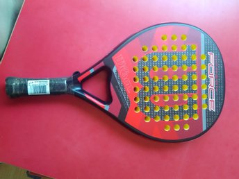 WILSON CARBON FORCE PADEL RACKET. Helt nytt!