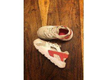 official photos bc592 6c4a8 Nike skor barn (341377977) ᐈ Köp på Tradera