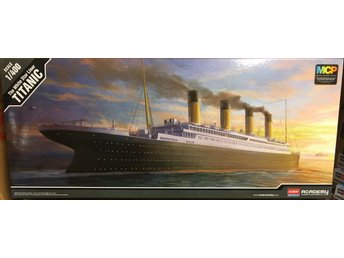 TITANIC  THE WHITE STAR LINER   1/400 Academy Byggsats