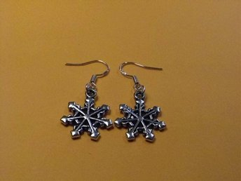 Snöflinga örhängen / Snowflake earrings