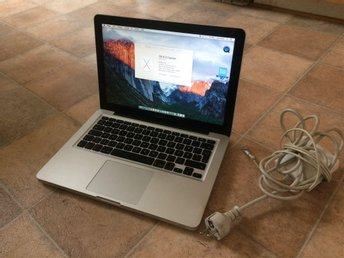MacBook Pro 13 Core i5 2.5Ghz 8GB 256SSD +HD Graphic 4000 +  Laddare !!!!