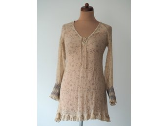 f750633b4ff4 By Ti Mo silke blommor mönster beige tunika blouse silk retro romantisk  boho XS