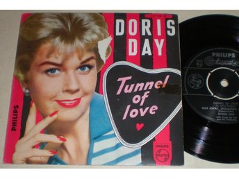 Doris Day EP/PS Tunnel of love