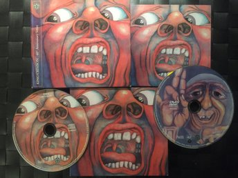 KING CRIMSON - In The Court Of...- 40th Anniversary series, med DVD, Genesis