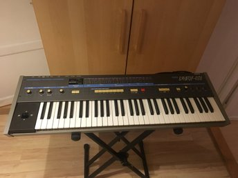 Korg Poly-61 klassisk vintage synth med defekt joystick