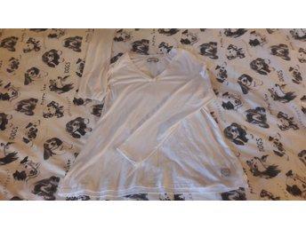 Vit tröja från Bloomingshop - Båstad - Vit tröja från Bloomingshop - Båstad