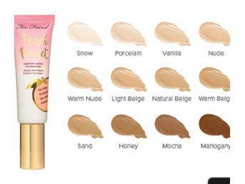 Too faced Peach foundation Sand
