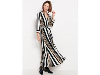 6cad7711d025 Lindex svart randig långklänning omlottklänning.. (345514910) ᐈ Köp ...