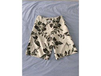 Shorts / Badshorts / Surfarshors / Skejtarshorts från Hawaii - Size XS - Stockholm - Shorts / Badshorts / Surfarshors / Skejtarshorts från Hawaii - Size XS - Stockholm