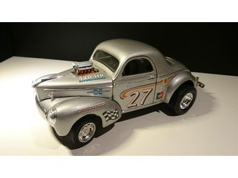 1941 Willys Coupe Silver Metallic skala 1:18 Ny