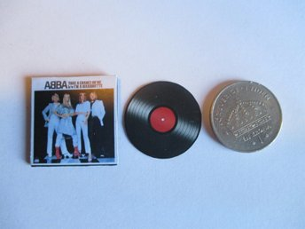 LP till dockskåp ABBA ( cant play, totally made of paper )