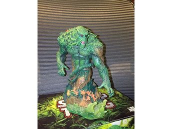 HEROES OF THE DC UNIVERSE BRIGHTEST DAY BUST SWAMP THING 15 CM LIMITED EDITION