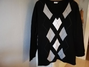 Fin JUMPER! GENEROUS by Linde. XL.