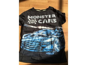T-shirt med Racerbil i stl 104 - Hörby - T-shirt med Racerbil i stl 104 - Hörby
