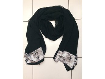 Varm   Vacker sjal Mått ca 70 x 70 cm (319253055) ᐈ ias-butik på ... a1eee0c5b4adb