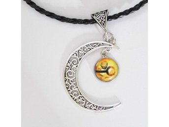 Pokemon Måne Halsband / Moon Necklace