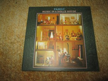 FAMILY MUSIC IN A DOLLS HOUSE