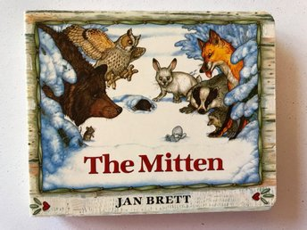 THE MITTEN Jan Brett 1989