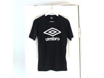NY Umbro tröja T-shirt svart träningströja träningskläder sport träning gym - Malmö - NY Umbro tröja T-shirt svart träningströja träningskläder sport träning gym - Malmö