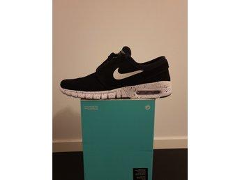 wholesale dealer e769a 6388a Svarta Nike SB storlek 40