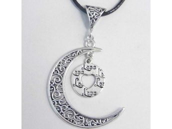 Cirkel av kärlek måne halsband / Circle of love moon necklace