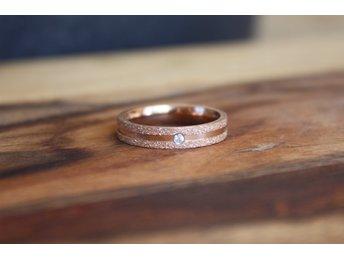 Bud to Rose Ring Wave Large guld (308794240) ᐈ Fintinne på Tradera eb0ffd8909fd4