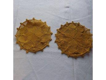 2st virkade dukar 21 cm i diameter - Svängsta - 2st virkade dukar 21 cm i diameter - Svängsta