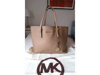MICHEL KORS JET SET TRAVEL SAFFIANO TOTE MEDIUM/LARGE BEIGE GULD DUSTBAG
