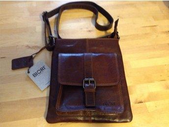 Väska BIORI TROPHY brun läder (336546476) ᐈ Köp på Tradera 9739dfd8264d3