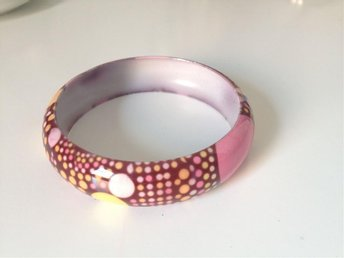 prickiga armband rosa/gula/brun/orange