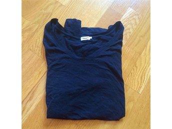 Tshirt topp från Filippa K t-shirt svart dyr i inköp - Hägersten - Tshirt topp från Filippa K t-shirt svart dyr i inköp - Hägersten