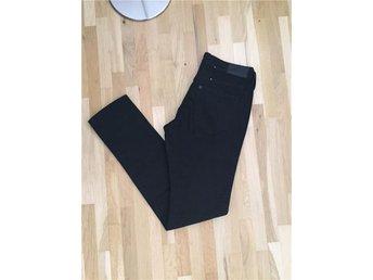 Nya svarta jeans 28/32 - Eslöv - Nya svarta jeans 28/32 - Eslöv
