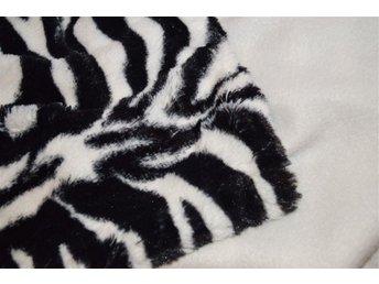 Mjuk randig svartvit pläd /överkast /filt - Södertälje - Mjuk randig svartvit pläd /överkast /filt - Södertälje