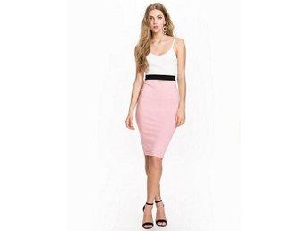 158e4240c01e Ax Paris Contrast Band Dress Nelly Vit Ljusrosa Midi