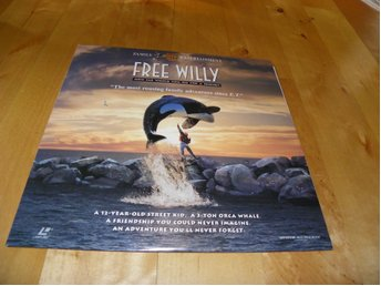 Free Willy  - Widescreen laserdisc - 1st Laserdisc